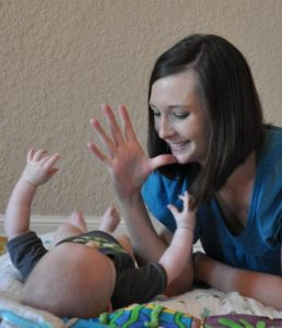 baby_sign_language_in_play